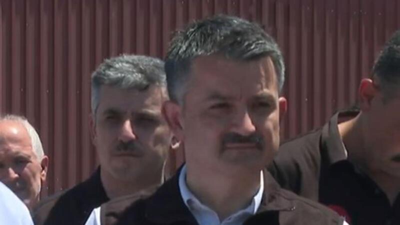 Bakanlar Pakdemirli Milas'ta Yangın Koordinasyon Merkezi'nde basın toplantısı düzenledi