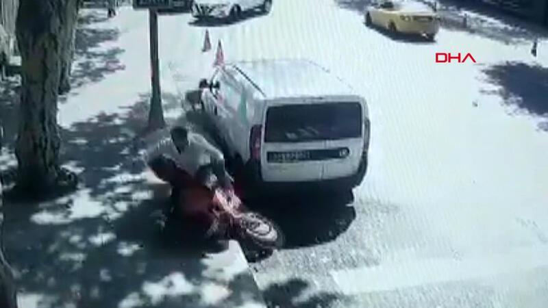 Sarıyer'de cipin çarptığı motosikletteki iki kişi metrelerce sürüklendi