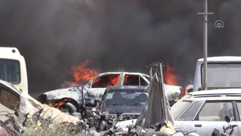 Yediemin hurda araçların bulunduğu alanda yangın çıktı