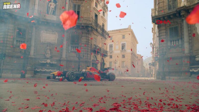 Max Verstappen, İtalya GP öncesinde Palermo sokaklarında