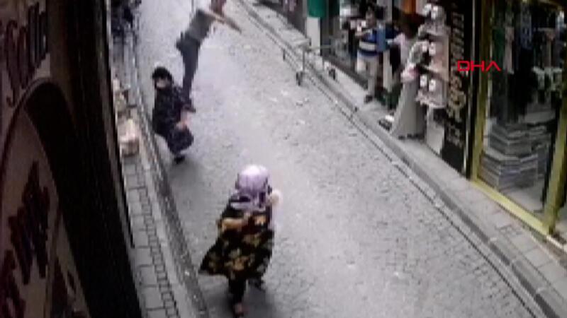 Montajını yaptığı klimayla düştü; yaşlı kadın son anda kurtuldu