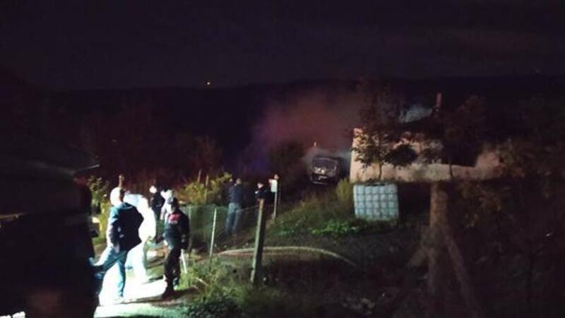 Sakarya'nın Geyve ilçesinde evde çıkan yangında baba ve üç çocuğu yaşamını yitirdi
