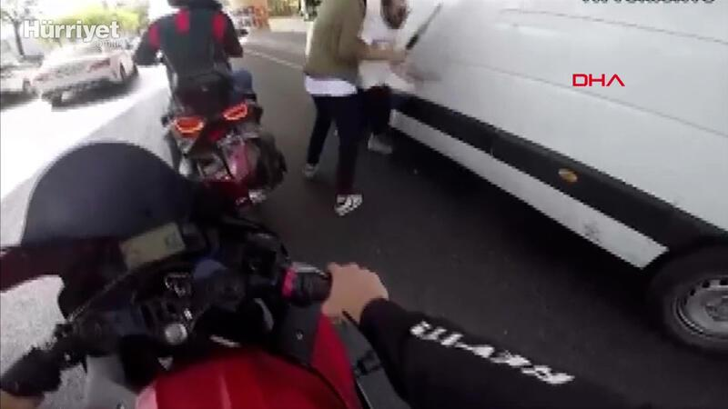 Sarıyer'de sopanın ucuna bağladığı bıçakla motosikletliye saldırdı