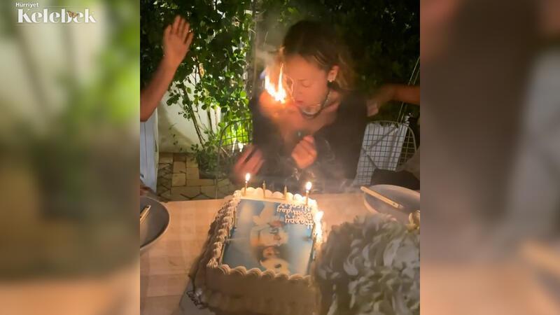 Doğum günü pastasındaki mumları üflerken saçları tutuştu