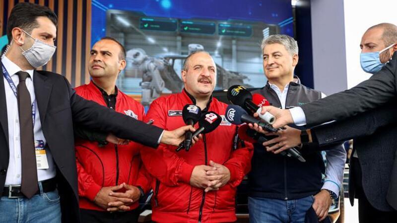 Sanayi ve Teknoloji Bakanı Mustafa Varank, TEKNOFEST'te TOGG standında konuşt