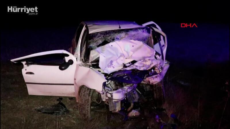 Otomobil ile kamyonet çarpıştı 2 ölü, 6 yaralı