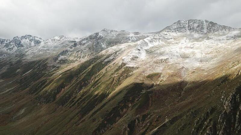 Kaçkar Dağı, yağan karla beyaza büründü