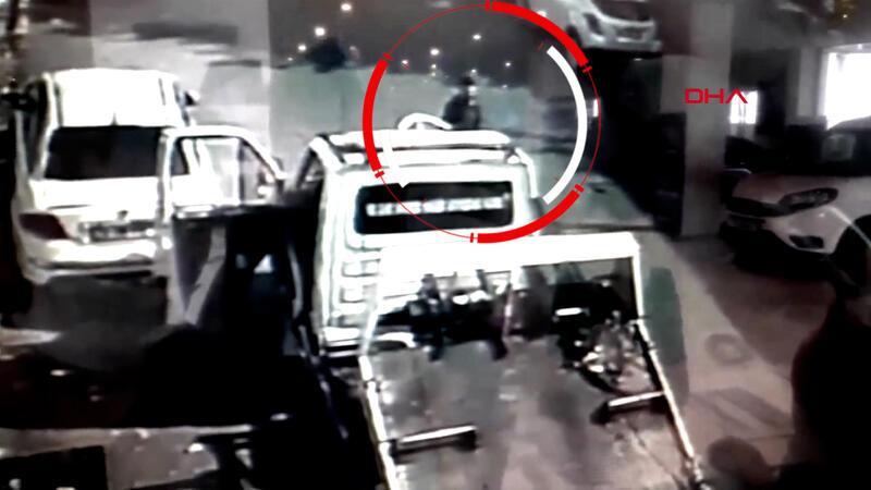 Bayrampaşa'da camı açık çekiciden telefon hırsızlığı