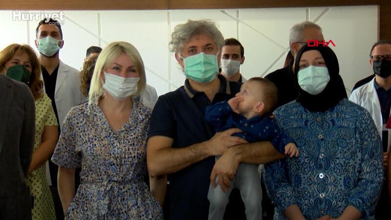 Rahim nakliyle dünyaya gelen bebek, adaşı Doktor Ömer Özkan'ın kucağında