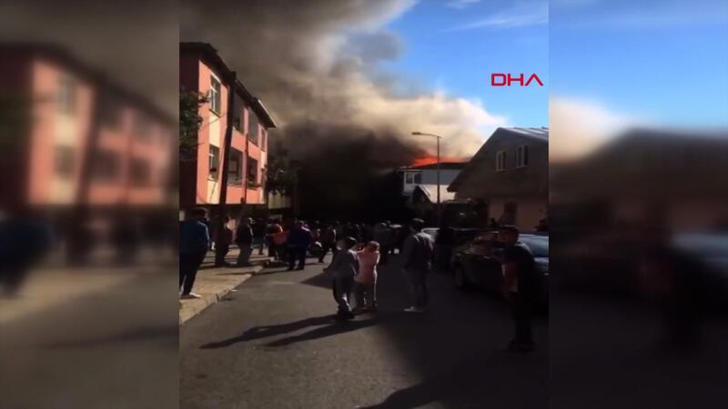 Sultanbeyli'de bir fabrikada yangın çıktı