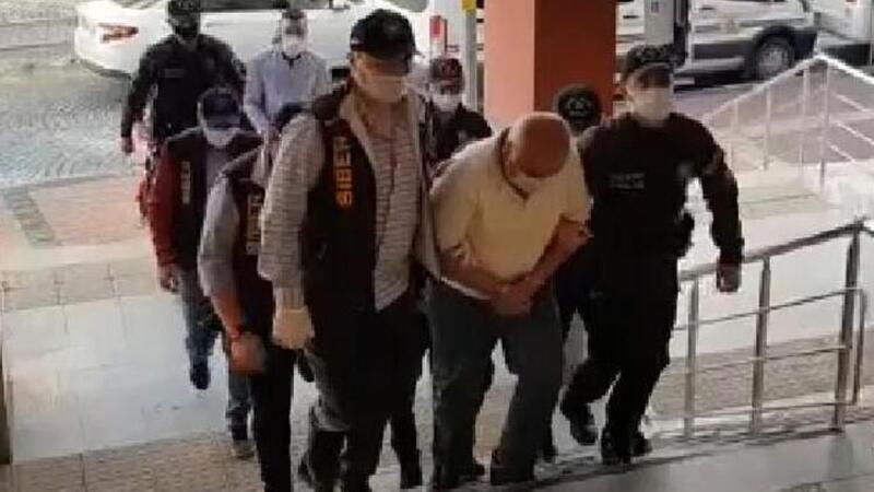 Kocaeli'de 'ucuz konteyner' dolandırıcıları yakalandı