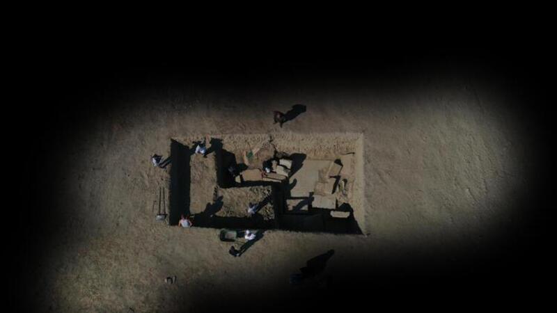 Magnesia'daki kazılarda Zeus Tapınağı'nın giriş kapısına ulaşıldı