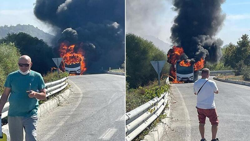 Rus turistleri taşıyan midibüs alev alev yandı