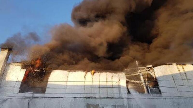 İskenderun'da malzeme deposunda yangın