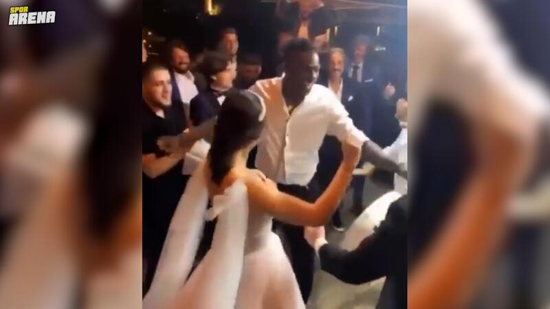 Mario Balotelli düğünde döktürdü!