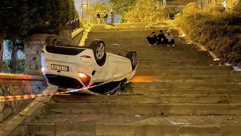 Ümraniye'de merdivenli sokağa giren araç takla attı