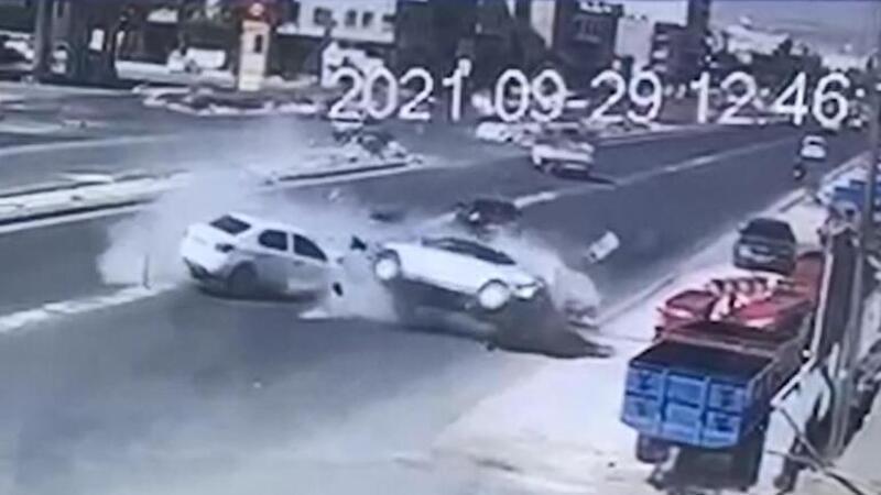 Şanlıurfa'da 6 kişinin yaralandığı kaza kamerada