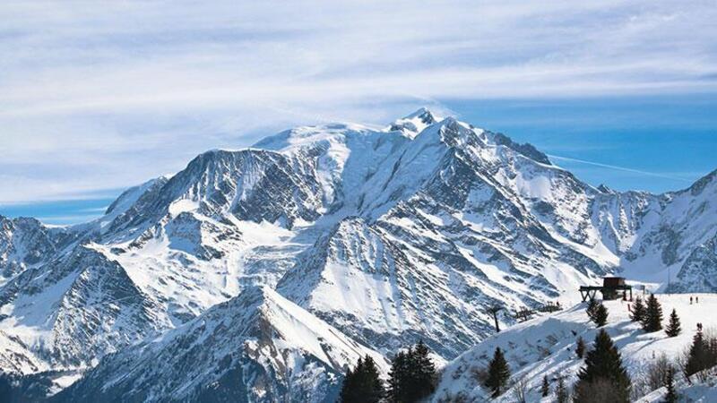 Avrupa'nın en yüksek dağı Mont Blanc kısalıyor