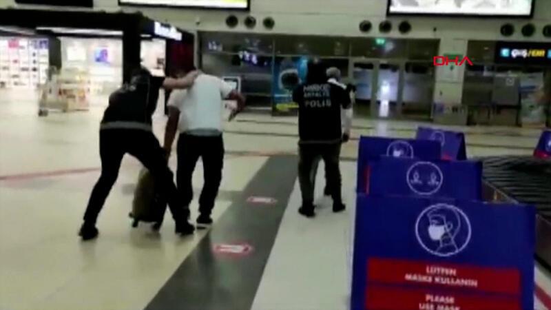 Antalya Havalimanı'nda uyuşturucu operasyonu