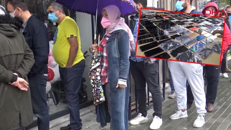 İstanbul Havalimanı'nda unutulan eşyaları satın alma kuyruğu