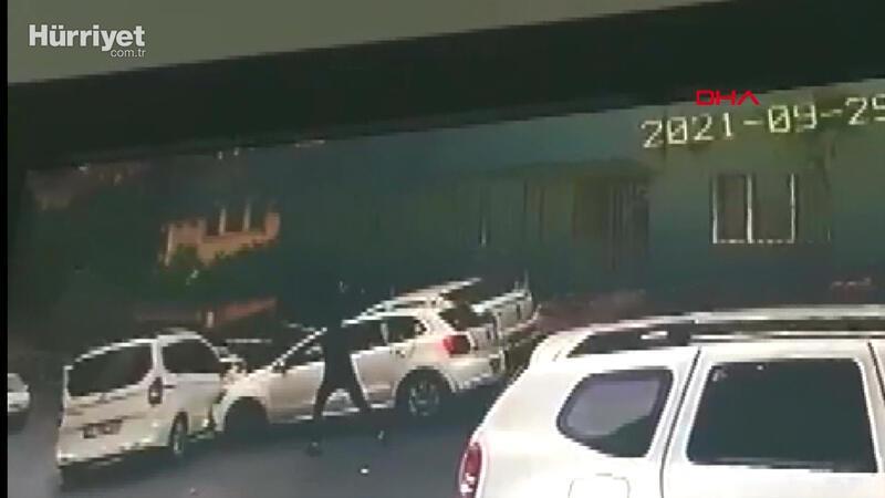 Aracıyla önünü kestiği otomobilin sürücüsüne kurşun yağdırdı, o anlar kamerada