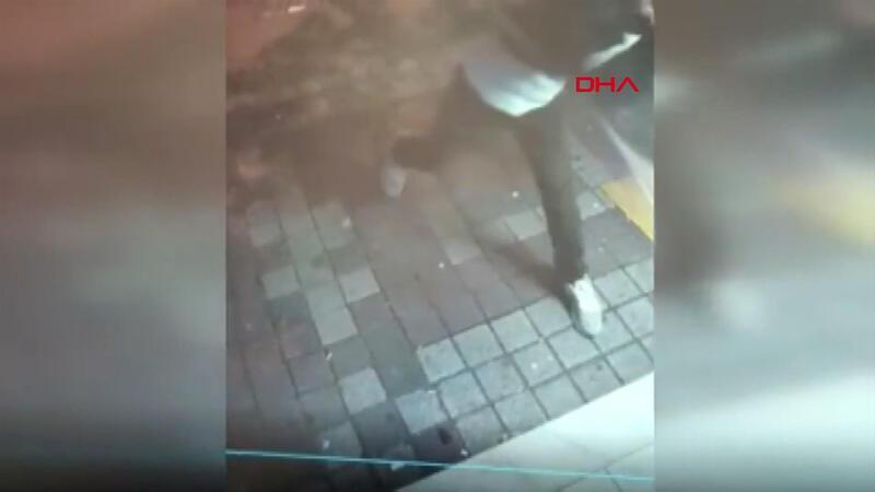 Bağcılar'da ATM ekranlarını kıran şüpheli yakalandı