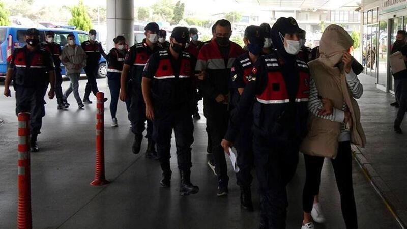 İzmir'de uyuşturucu ticareti operasyonu; doktorlar ve eczacılar da gözaltında