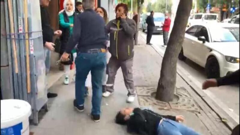 Dehşete düşüren görüntü! Kız arkadaşını sokak ortasında dövdü