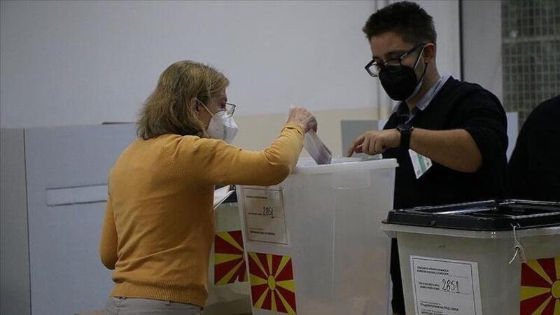 Kuzey Makedonya ve Kosova'da halk yerel seçimler için sandık başında