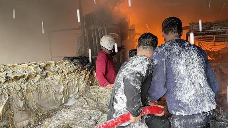 Fethiye ilçesinde sera naylonu satan iş yerinde yangın