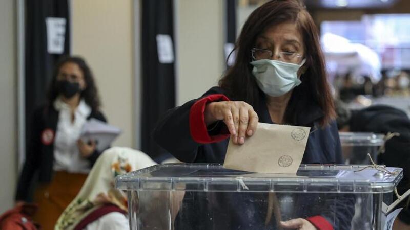İstanbul Barosu seçimleri başladı