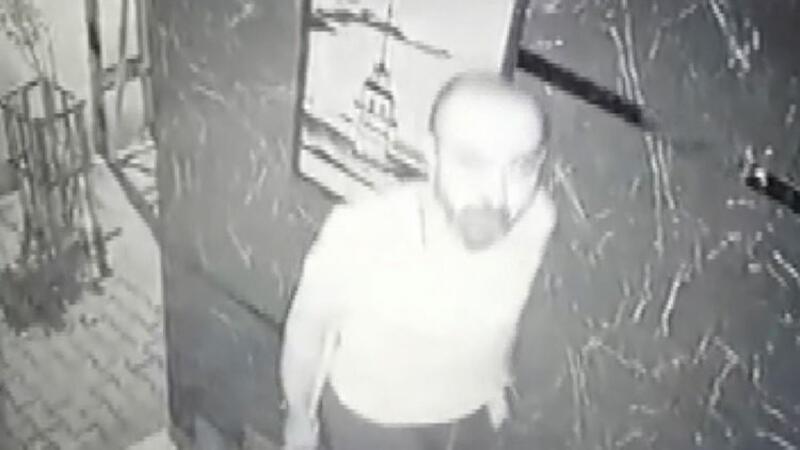 Binaya giremeyen hırsız güvenlik kamerasını çaldı