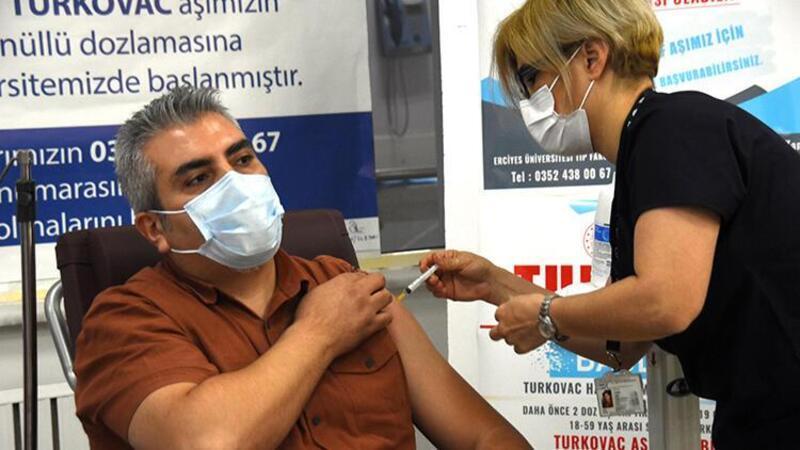 Turkovac, hatırlatma dozu olarak Kayseri'de ilk gönüllüye uygulandı