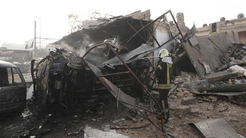 Suriye'de pazar yerine bombalı saldırı!