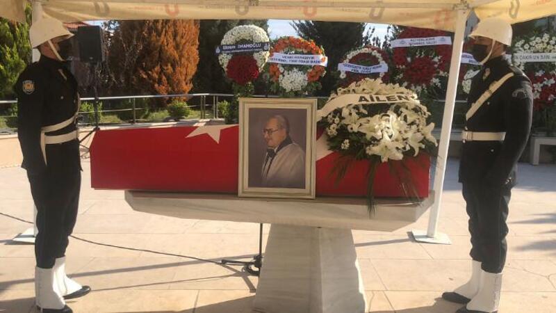 Prof. Dr. Orhan Oğuz için Marmara Üniversitesi İlahiyat Fakültesi Camii'nde tören düzenlendi
