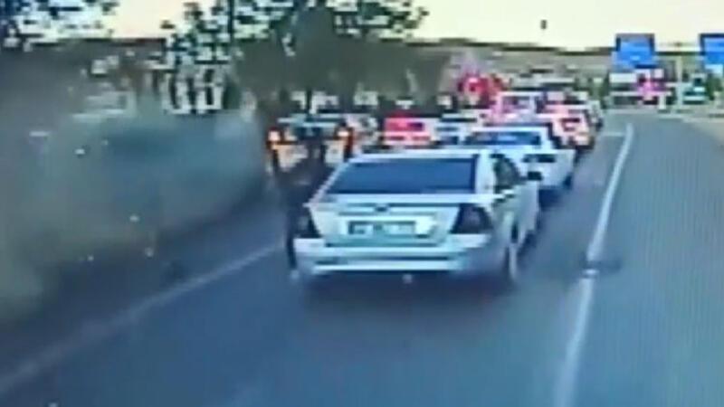 6 kişinin yaralandığı dehşete düşüren kaza araç kamerasında