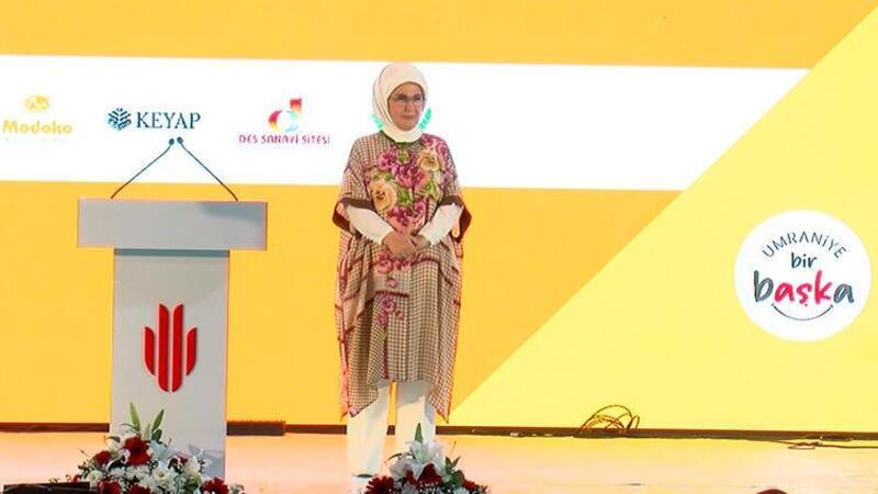 """Emine Erdoğan """"işim var okula gidiyorum"""" projesinin lansmanına katıldı"""