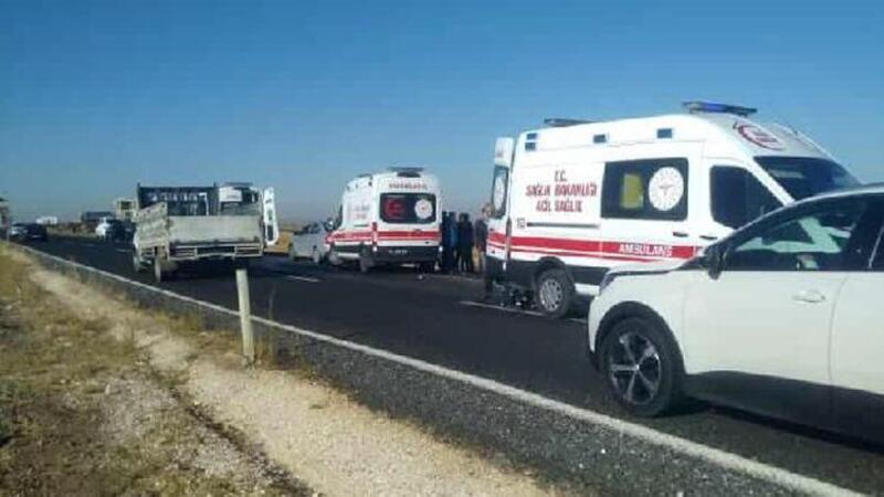 Şanlıurfa'da hafif ticari araç şarampole devrildi: 1 ölü, 5 yaralı