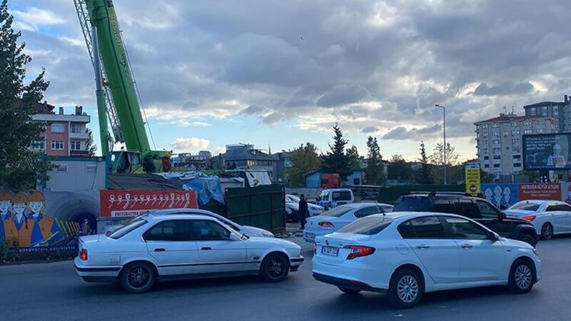 Ataşehir'de metro inşaatında vinçten düşen işçi yaralandı
