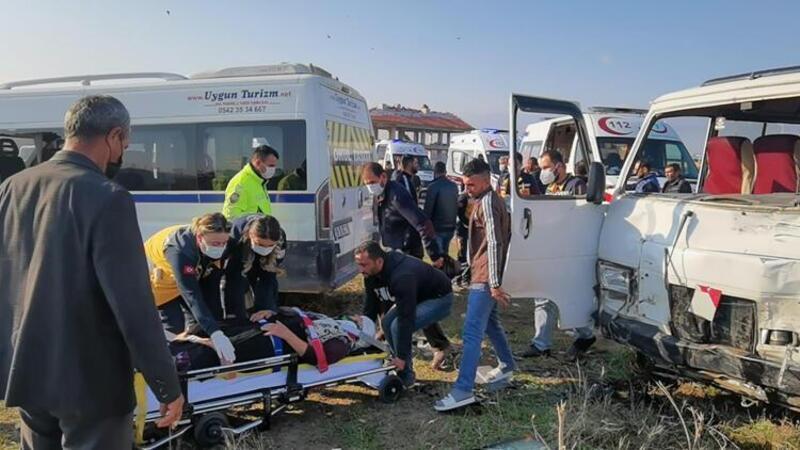 Bursa'da minibüsler çarpıştı: Çok sayıda yaralı var
